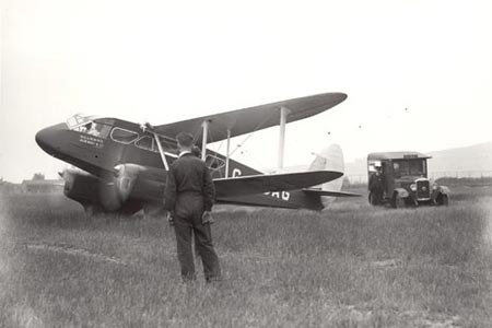 Light aircraft about to leave Newtonard airfield, Northern Ireland, carrying air mail, 1935