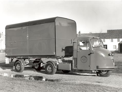 A Scammell mail van, 1956 (POST 118/5239)