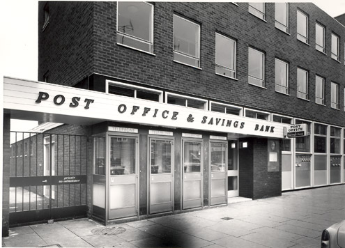Hitchin Post Office (1962) (architect J.O. Stevens)