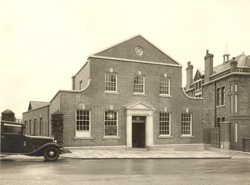 Maesteg Post Office (c.1935) (architect Henry Seccombe)