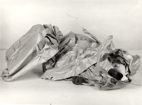 Parcels showing bad packing, 1945 (POST 118/1605)