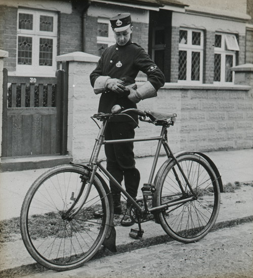 Messenger Boy with cycle, 1930s (2011-0443/02)