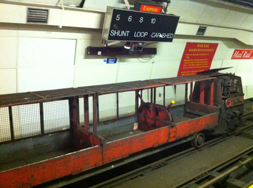 1980s Greenbat mail train on the Westbound platform.