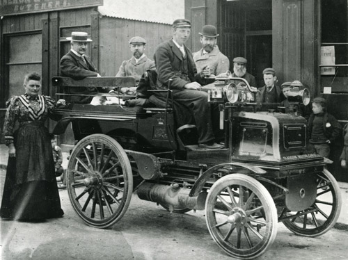 First motor vehicle used for mails in Scotland, c. 1908. (POST 118/5725)