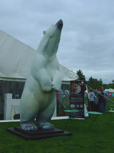 'Boris' the polar bear was on display: a life-size sculpture cast entirely in bronze, created to highlight the plight of polar bears.