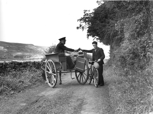 Postman with pony and trap in Northern Ireland, 1938. (POST 118/903)