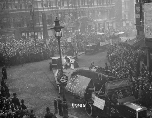 A captured German Albatross fighter plane being paraded at Ludgate Circus. This was possible the same aircraft exhibited at the Royal Agricultural Hall, Islington, in November 1918. Courtesy of Islington Local History Centre.