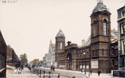 The Royal Agricultural Hall, Islington, from Liverpool Road before the First World War. Courtesy of Islington Local History Centre.