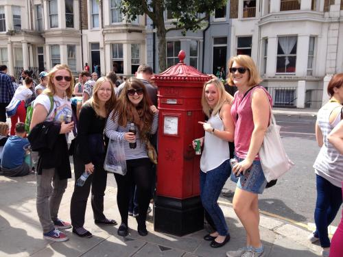 Staff #pillarboxselfie with a Penfold on Ladbroke Grove. Share yours with us next week!