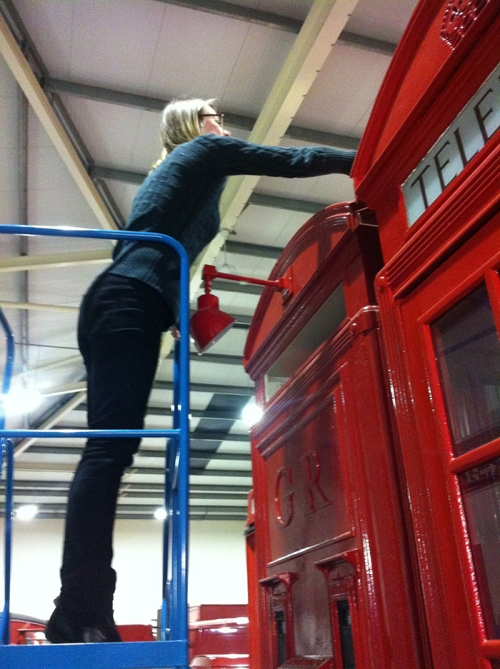 I also help clean objects - have you ever seen the top of a telephone kiosk?
